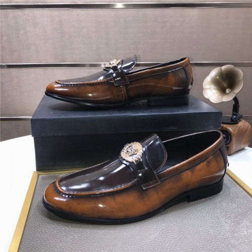 Versace Leather Shoes For Men #889432
