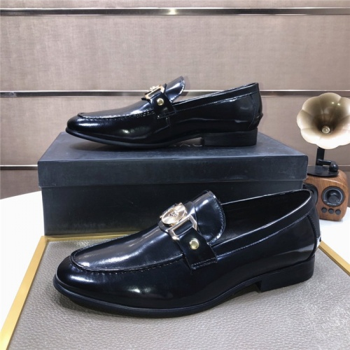 Versace Leather Shoes For Men #889435