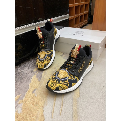 Versace Casual Shoes For Men #890024