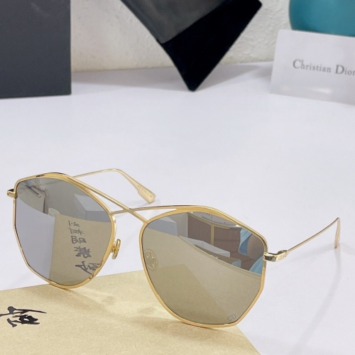 Christian Dior AAA Quality Sunglasses #890143