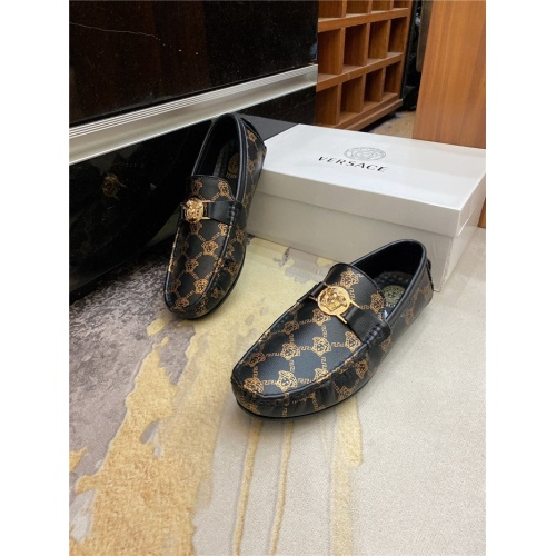 Versace Leather Shoes For Men #890569