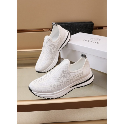 Versace Casual Shoes For Men #891176