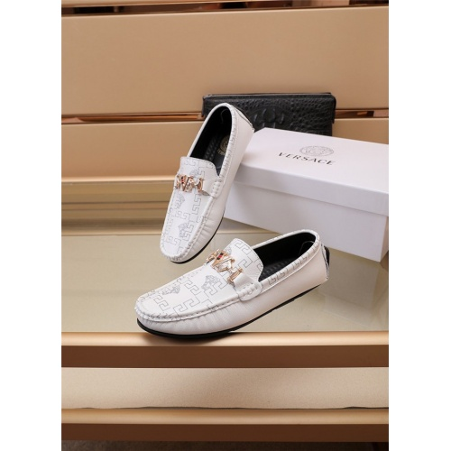 Versace Casual Shoes For Men #891416