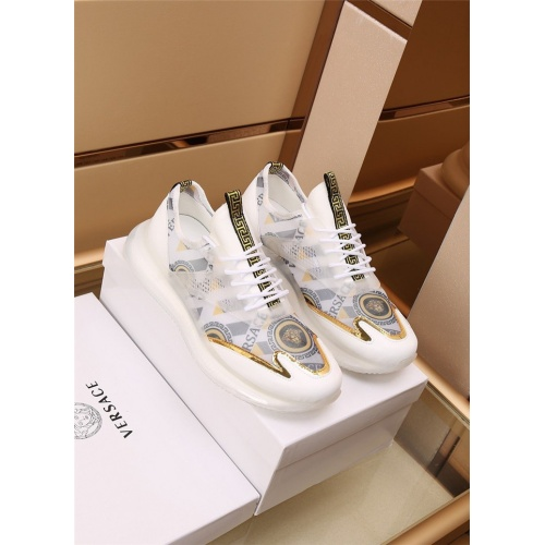 Versace Casual Shoes For Men #892289