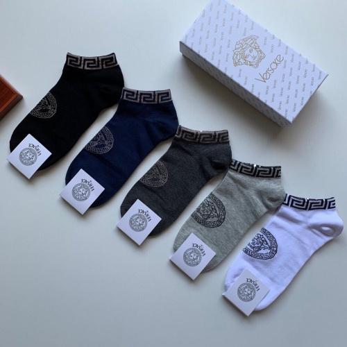 Versace Socks #892838