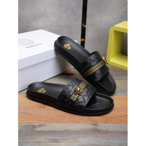 Versace Slippers For Men #893128