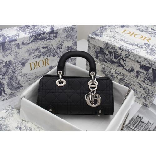 Christian Dior AAA Handbags For Women #893321