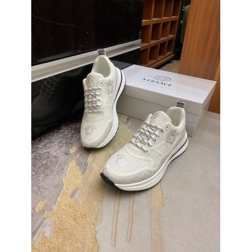 Versace Casual Shoes For Men #893627