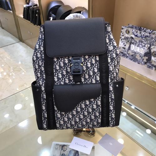 Christian Dior AAA Man Backpacks #893771