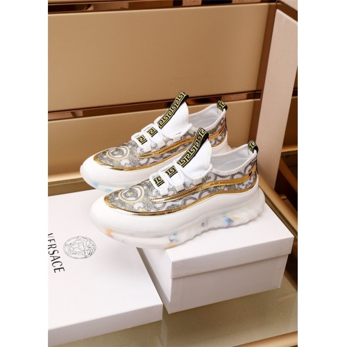 Versace Casual Shoes For Men #894329