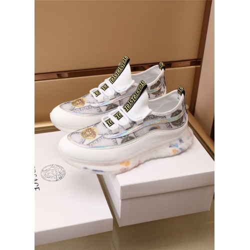 Versace Casual Shoes For Men #894333