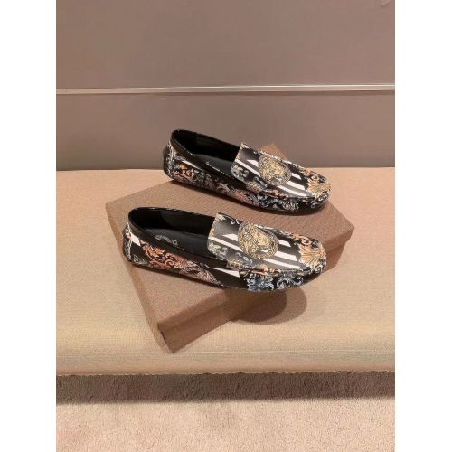 Versace Leather Shoes For Men #894350