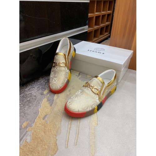 Versace Casual Shoes For Men #894359
