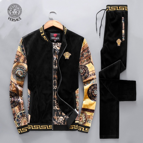 Versace Tracksuits Long Sleeved For Men #894571