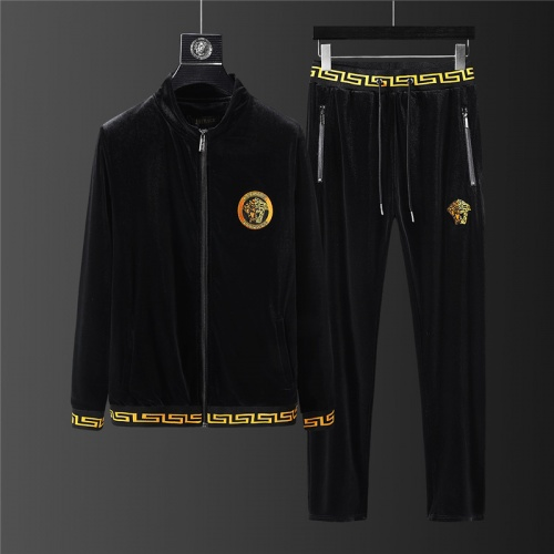 Versace Tracksuits Long Sleeved For Men #894642