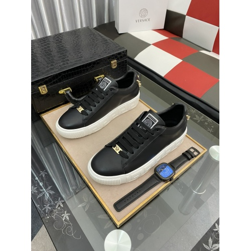 Versace Casual Shoes For Men #894752
