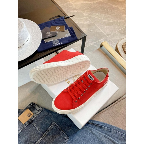 Versace Casual Shoes For Women #894926