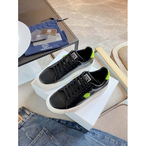 Versace Casual Shoes For Women #894932