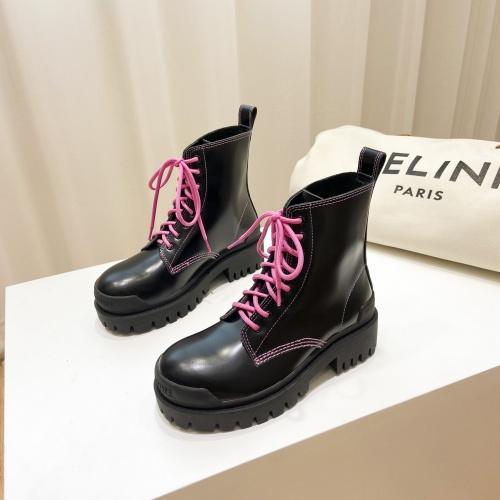 Balenciaga Boots For Women #895382