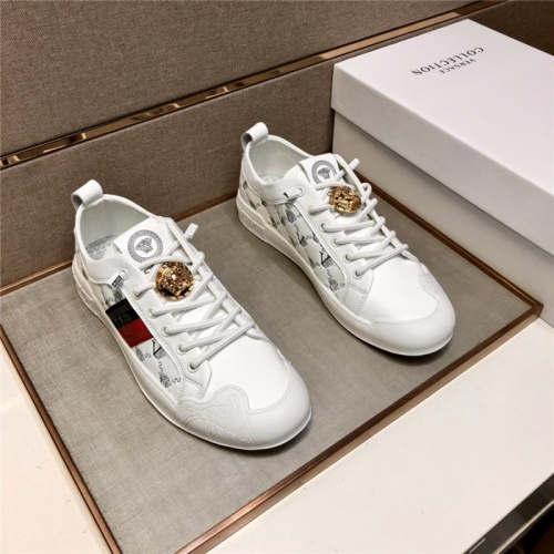 Versace Casual Shoes For Men #895435