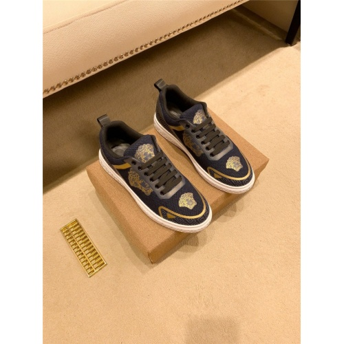 Versace Casual Shoes For Men #895439