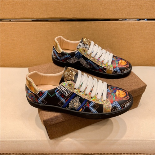 Versace Casual Shoes For Men #895870