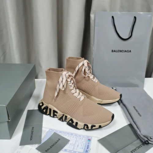 Balenciaga Boots For Women #898082