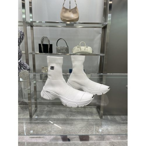 Balenciaga Boots For Women #898091