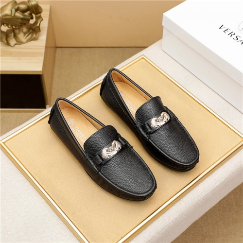 Versace Leather Shoes For Men #898221