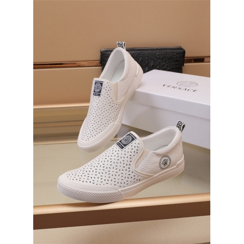 Versace Casual Shoes For Men #898254