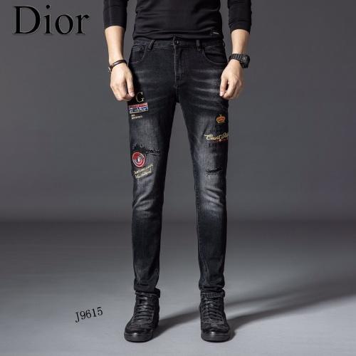 Christian Dior Jeans For Men #898430