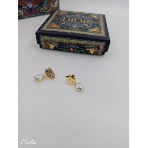 Christian Dior Earrings #898634