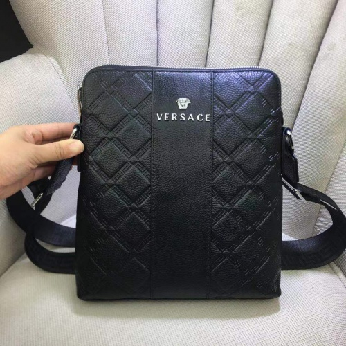 Versace AAA Man Messenger Bags #898918