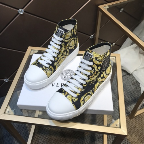 Versace High Tops Shoes For Men #899136