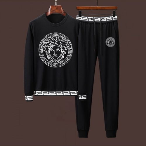 Versace Tracksuits Long Sleeved For Men #901524