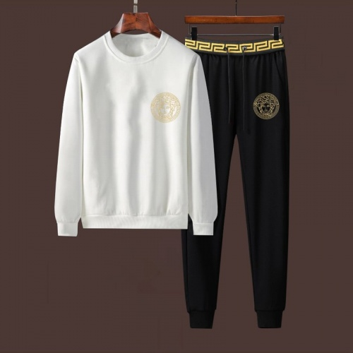 Versace Tracksuits Long Sleeved For Men #901538