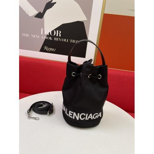 Balenciaga AAA Quality Messenger Bags For Women #902285