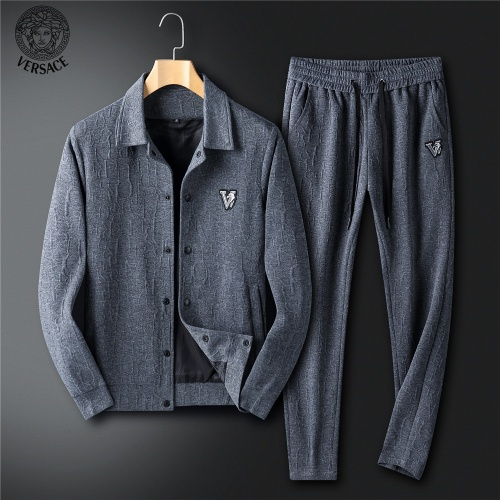 Versace Tracksuits Long Sleeved For Men #902656