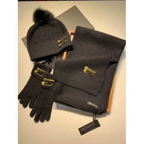 Versace Scarf & Hat Set #903652