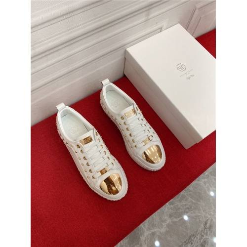 Versace Casual Shoes For Men #905980