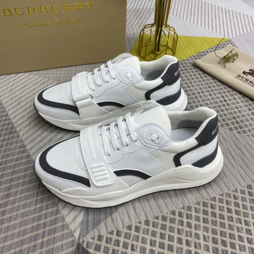 Burberry Casual Shoes For Men #906274