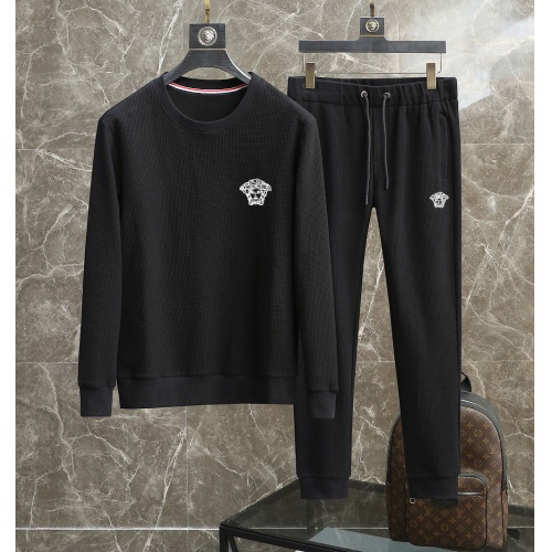 Versace Tracksuits Long Sleeved For Men #906319