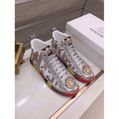 Versace High Tops Shoes For Men #906437