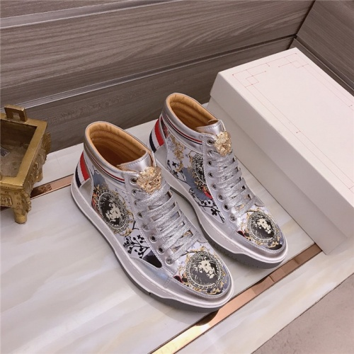Versace High Tops Shoes For Men #906445