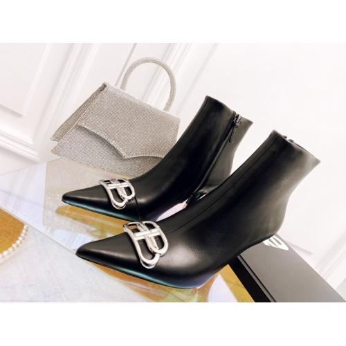 Balenciaga Boots For Women #906627