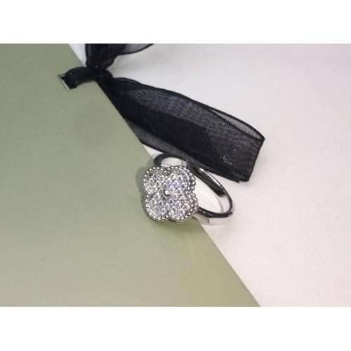 Van Cleef & Arpels Rings #906904