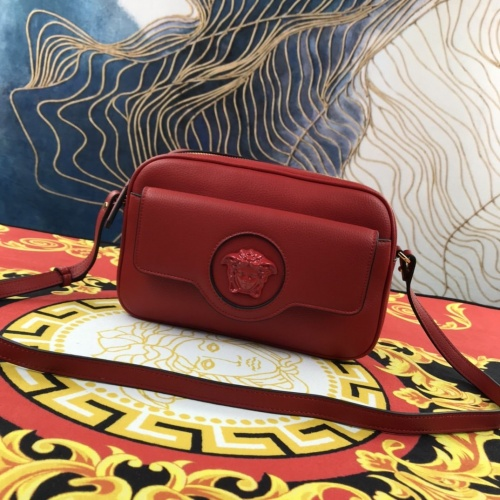 Versace AAA Quality Messenger Bags For Women #907319