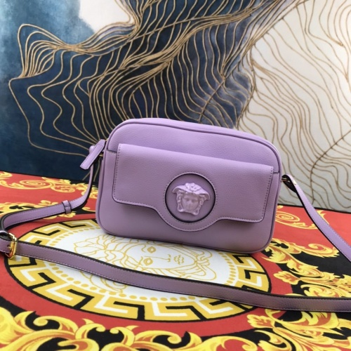 Versace AAA Quality Messenger Bags For Women #907321