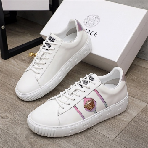 Versace Casual Shoes For Men #907668