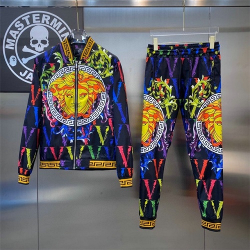 Versace Tracksuits Long Sleeved For Men #908616